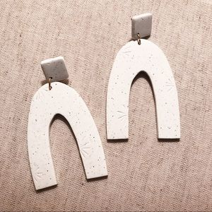 Sigfus Large Arch Clay Earrings